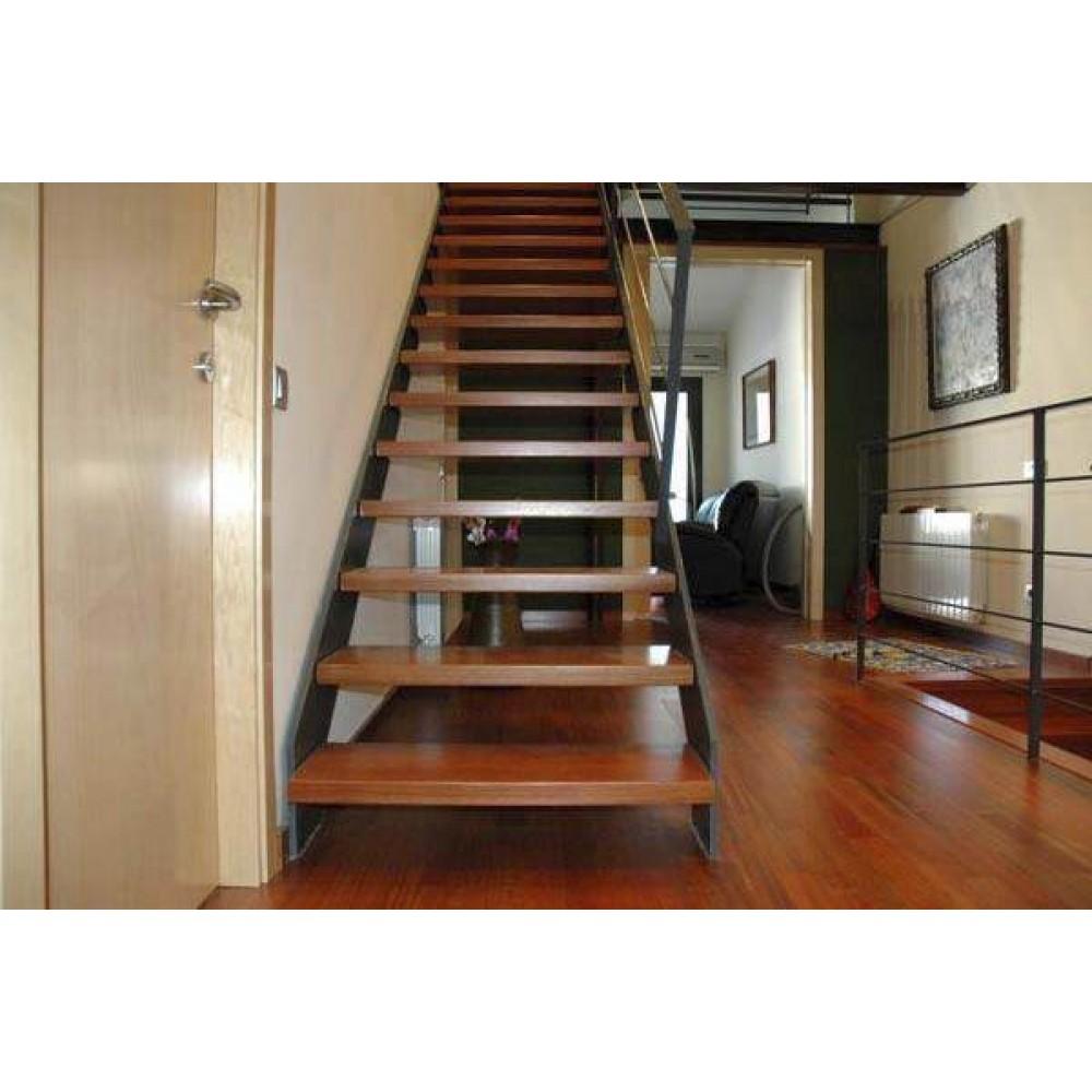 Gradas y piso de madera for Pisos para gradas